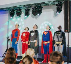 Pokaz Improwizacji - Impro Show - Superheroes